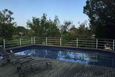 4 bedroom house in the suburbs of Barcelona with a pool and sea views